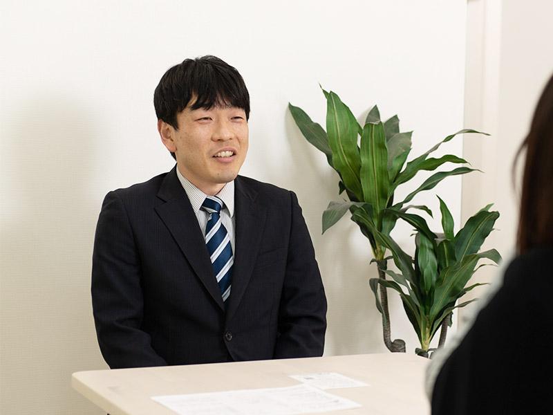太田佳秀 面談中のイメージ